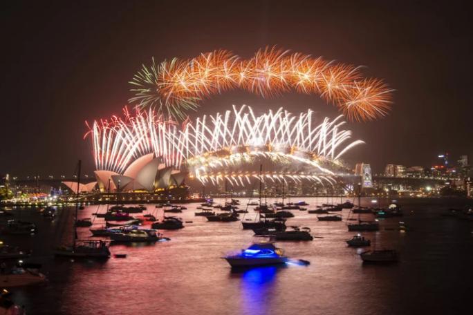 Úc vẫn rực rỡ pháo hoa mừng năm mới 2020 - Ảnh 18.