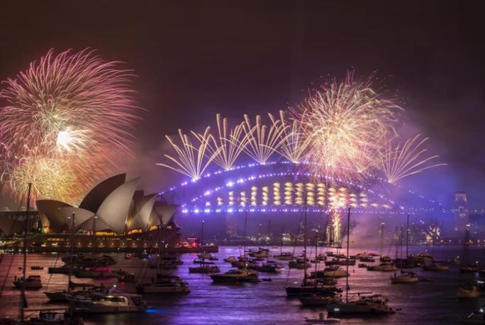 Úc vẫn rực rỡ pháo hoa mừng năm mới 2020 - Ảnh 16.