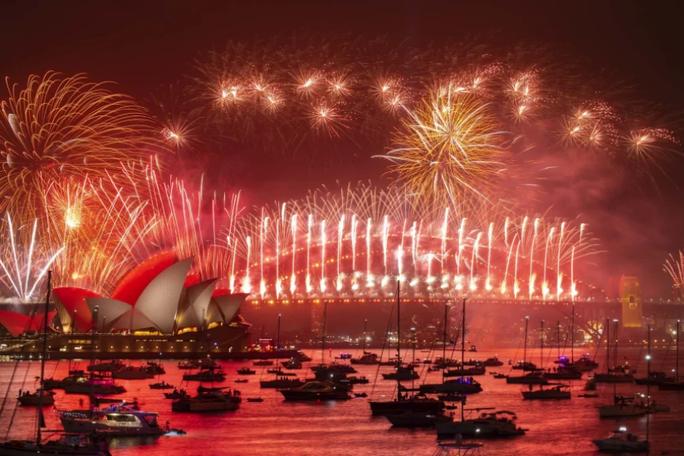 Úc vẫn rực rỡ pháo hoa mừng năm mới 2020 - Ảnh 14.