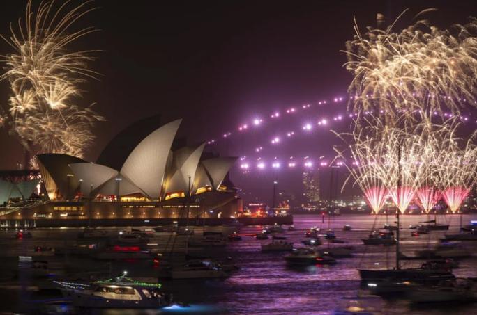 Úc vẫn rực rỡ pháo hoa mừng năm mới 2020 - Ảnh 8.