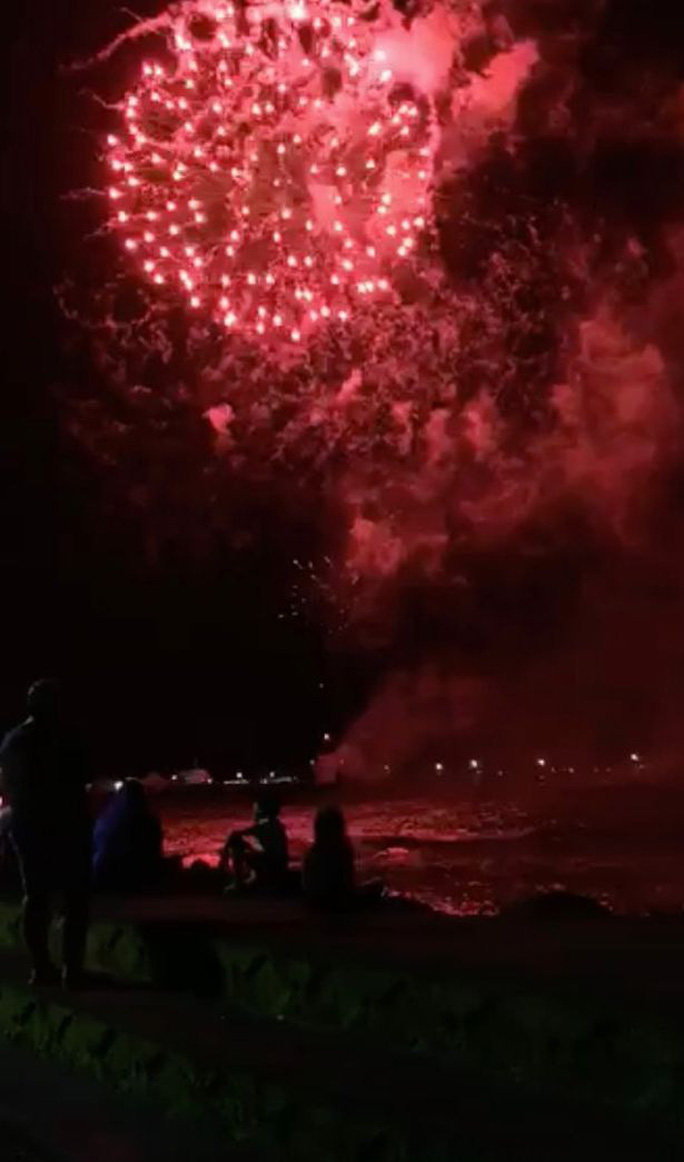 Úc vẫn rực rỡ pháo hoa mừng năm mới 2020 - Ảnh 1.