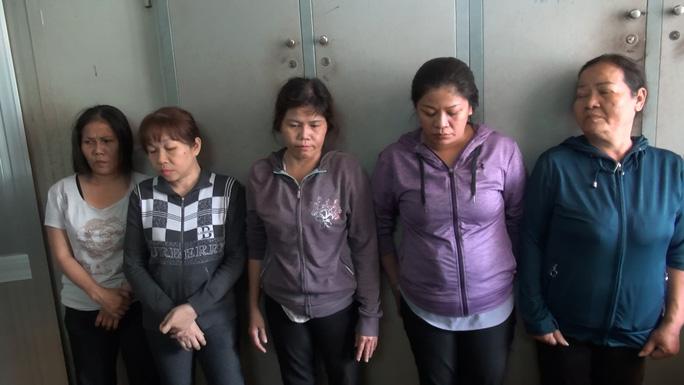 Nhóm người bất minh lộ diện ở Bệnh viện Phạm Ngọc Thạch - Ảnh 2.