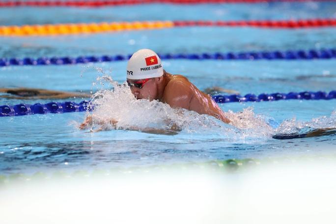 SEA Games 30: Huy Hoàng phá kỷ lục 400m tự do, lấy HCV đầu tiên môn bơi lội - Ảnh 12.