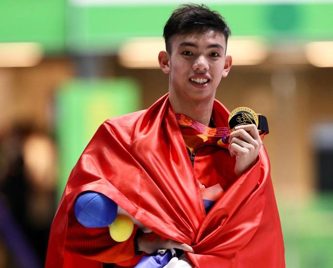 SEA Games 30: Huy Hoàng phá kỷ lục 400m tự do, lấy HCV đầu tiên môn bơi lội - Ảnh 8.