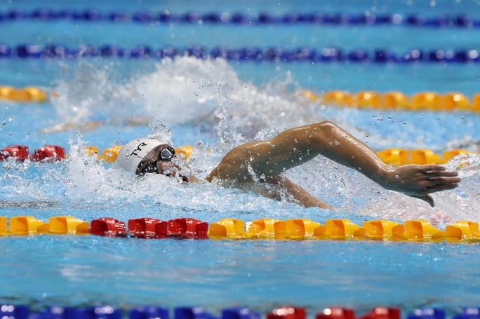 SEA Games 30: Huy Hoàng phá kỷ lục 400m tự do, lấy HCV đầu tiên môn bơi lội - Ảnh 3.