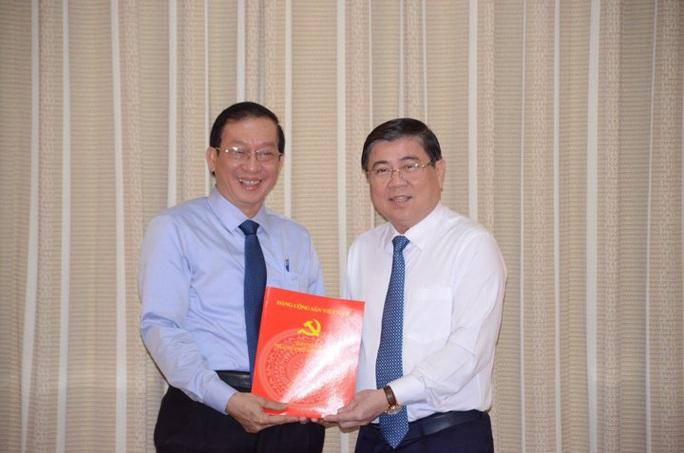 Chủ tịch UBND TP HCM trao 3 quyết định điều động, bổ nhiệm cán bộ - Ảnh 3.