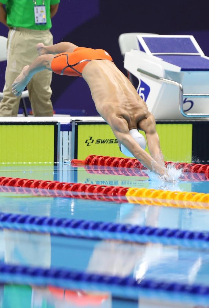 SEA Games 30: Huy Hoàng phá kỷ lục 400m tự do, lấy HCV đầu tiên môn bơi lội - Ảnh 2.