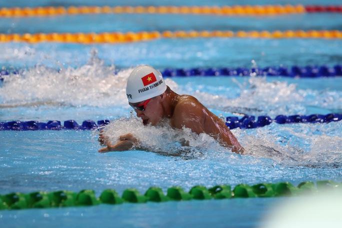 SEA Games 30: Huy Hoàng phá kỷ lục 400m tự do, lấy HCV đầu tiên môn bơi lội - Ảnh 13.