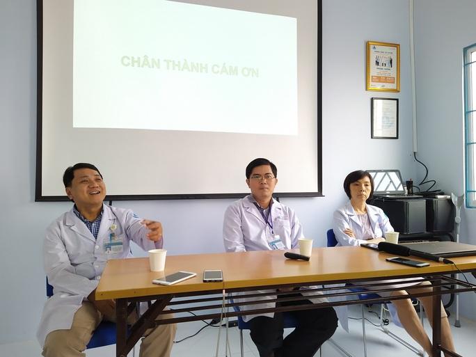 Bác sĩ Bệnh viện Nhi Đồng 1 thông tin về bệnh lạ ở em bé 7 tháng tuổi - Ảnh 1.