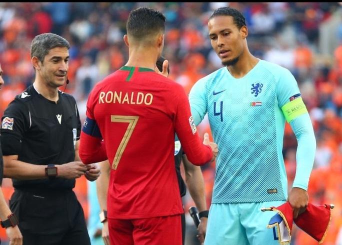 Chị gái Ronaldo gây bão mạng với chỉ trích nặng nề Van Dijk - Ảnh 6.