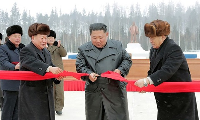 Lãnh đạo Triều Tiên cưỡi bạch mã trong khung cảnh đẹp khó cưỡng - Ảnh 7.