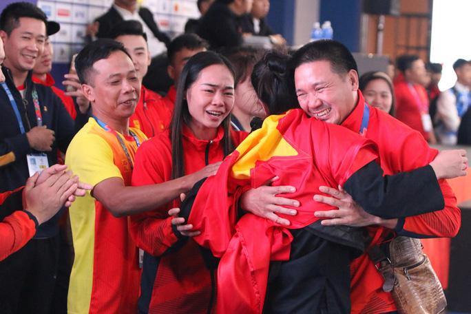 Nữ võ sĩ pencak silat xinh đẹp giành HCV SEA Games 30 cho Việt Nam - Ảnh 2.