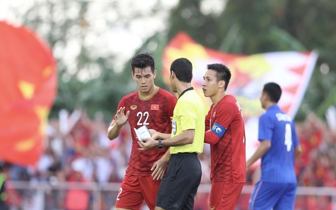 HLV Nishino: Đây là trận đấu khó khăn với U22 Thái Lan lẫn U22 Việt Nam - Ảnh 2.