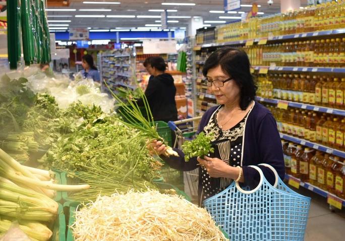 Co.opmart bán rau củ quả, trái cây, thủy hải sản theo chuẩn xuất khẩu - Ảnh 1.