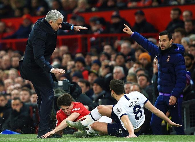 Marcus Rashford đánh bại đội bóng của Mourinho ở Old Trafford - Ảnh 1.