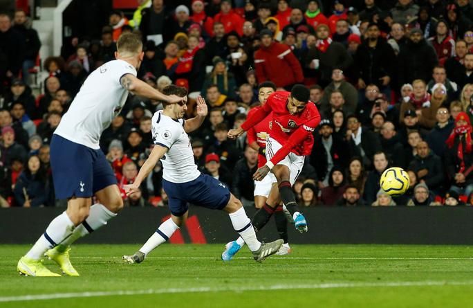 Marcus Rashford đánh bại đội bóng của Mourinho ở Old Trafford - Ảnh 3.