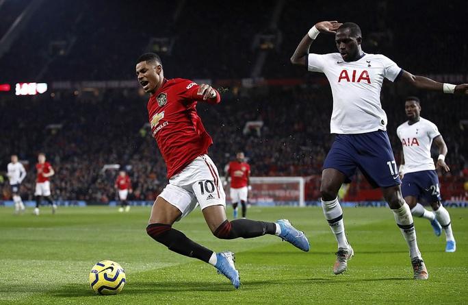 Marcus Rashford đánh bại đội bóng của Mourinho ở Old Trafford - Ảnh 7.