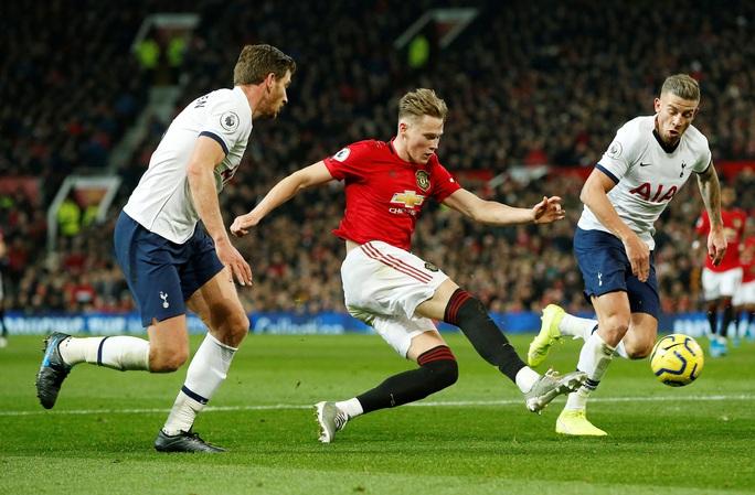 Marcus Rashford đánh bại đội bóng của Mourinho ở Old Trafford - Ảnh 2.