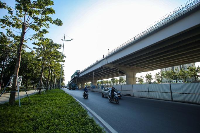 Cận cảnh tình trạng nhếch nhác tại tuyến đường 3.100 tỉ đồng vừa thông xe - Ảnh 14.