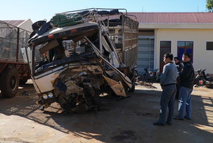 Tai nạn thảm khốc ở Gia Lai làm 3 người chết, 3 người nguy kịch - Ảnh 4.
