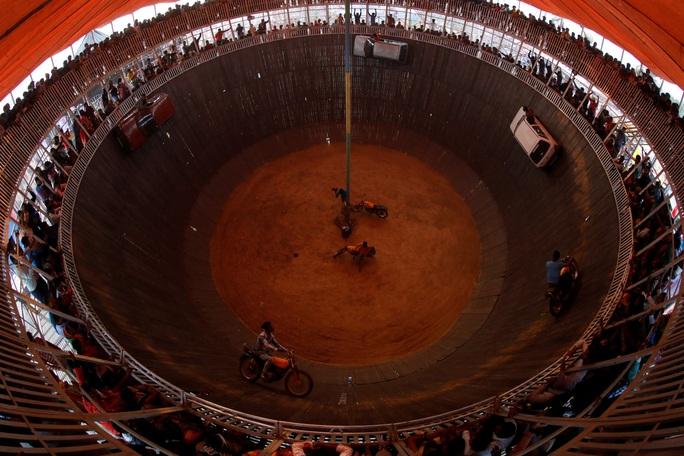 Rợn người tại lễ hiến tế động vật đẫm máu nhất thế giới - Ảnh 4.