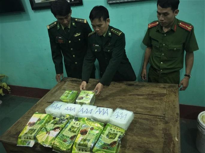 Vụ 7 gói ma túy dạt vào bờ biển Quảng Trị: Khởi tố vụ án hình sự - Ảnh 1.