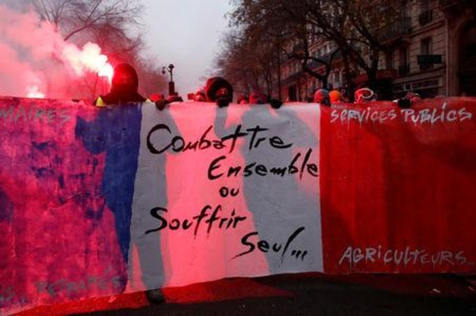 Nước Pháp hỗn loạn chưa từng thấy vì cải cách lương hưu - Ảnh 11.