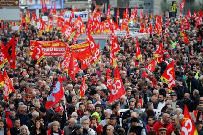 Nước Pháp hỗn loạn chưa từng thấy vì cải cách lương hưu - Ảnh 4.
