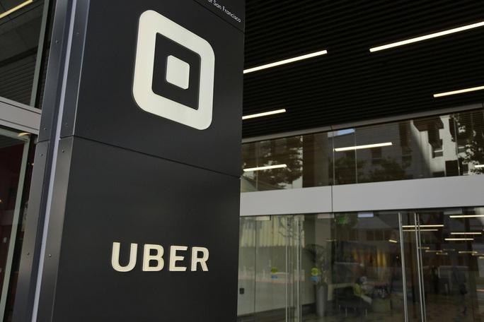 Hàng trăm hành khách taxi công nghệ bị cưỡng hiếp - Ảnh 1.