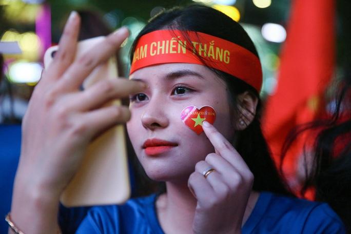 U22 Việt Nam chặn đứng hiện tượng Campuchia: CĐV vỡ òa phấn khích - Ảnh 1.