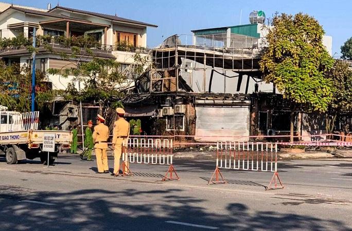 Vụ cháy nhà hàng lẩu ở Vĩnh Phúc: 4 người tử vong đều còn rất trẻ - Ảnh 1.