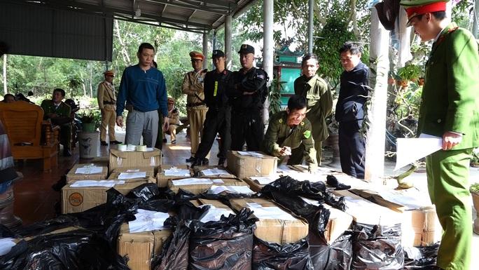 Triệt phá hang ổ pháo lậu lớn nhất  Quảng Bình - Ảnh 1.