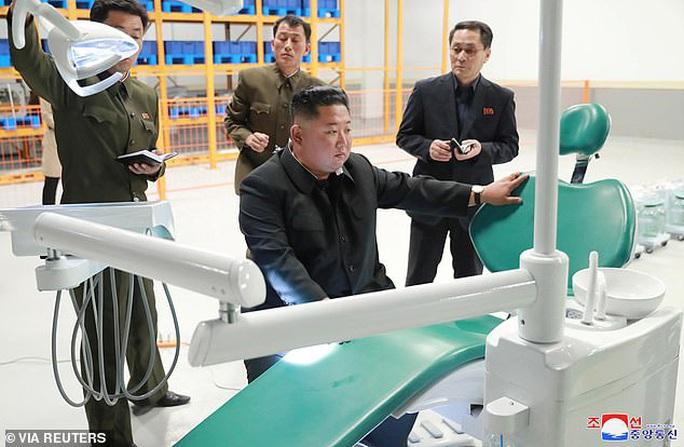 """Triều Tiên """"bào tiền"""" du khách Trung Quốc?  - Ảnh 1."""