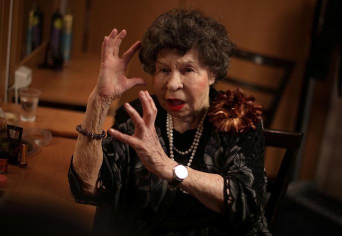 Nữ diễn viên tuổi nghề già nhất thế giới qua đời - Ảnh 1.