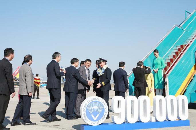 Mỗi ngày có bao nhiêu chuyến bay trên bầu trời Việt Nam? - Ảnh 2.