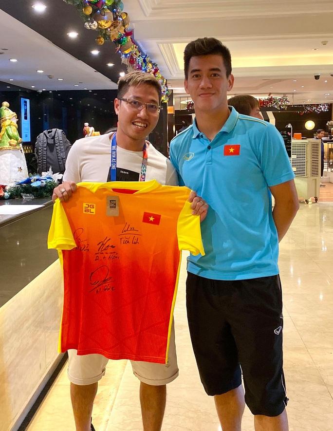 Một ngày sau trận bán kết, Tiến Linh báo tin vui về chấn thương - Ảnh 1.