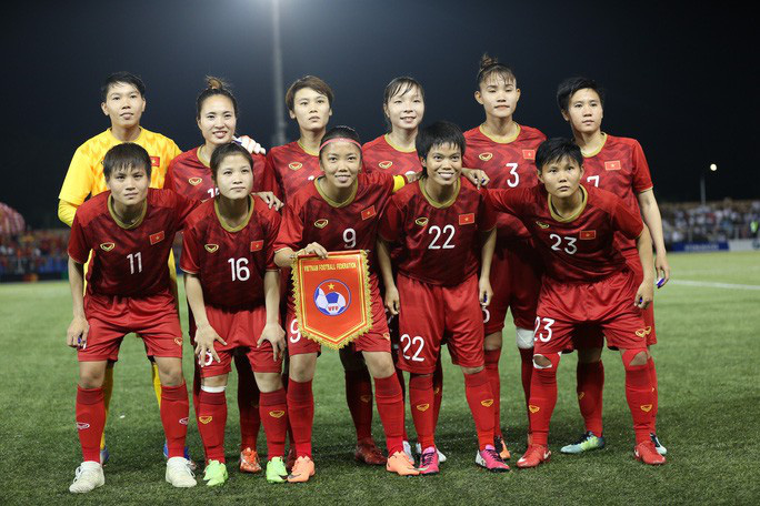 Ngân hàng đầu tiên treo thưởng nóng cho tuyển bóng đá nữ Việt Nam - Ảnh 1.