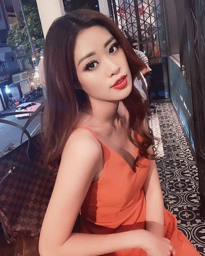 Không chỉ trên sân khấu, Nguyễn Trần Khánh Vân vẫn rất xinh đẹp ngoài đời  - Ảnh 13.