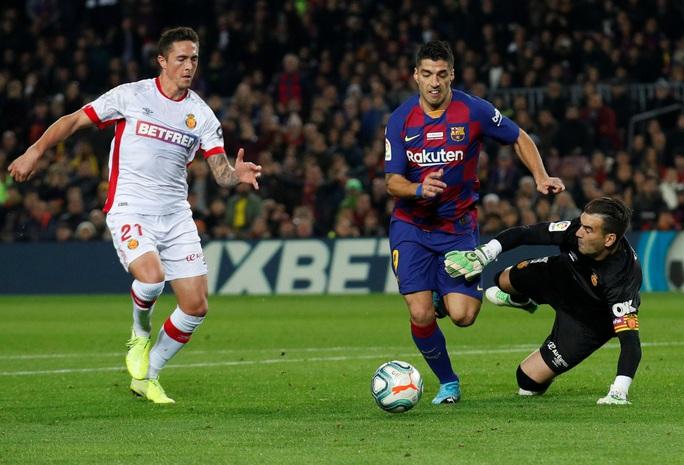 Barcelona sa thải HLV Valverde, La Liga sốc nặng - Ảnh 7.