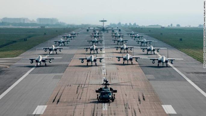 Đảo Nhật Bản có thể thành tàu sân bay của Mỹ - Ảnh 2.
