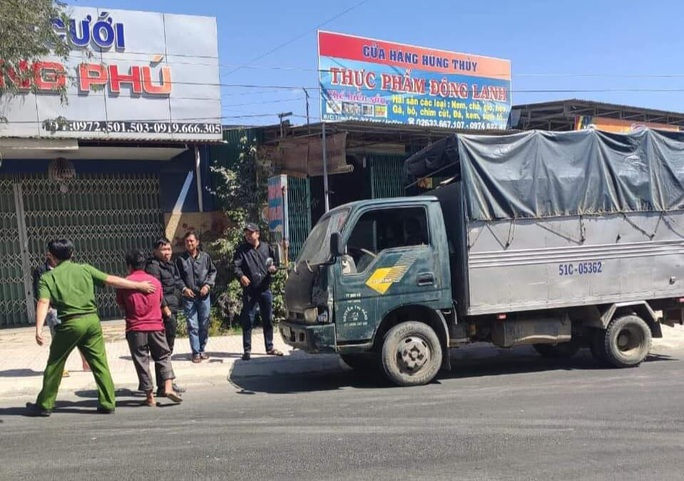 Bắt tài xế xe tải tông chết cán bộ quản lý bảo vệ rừng rồi bỏ trốn - Ảnh 1.