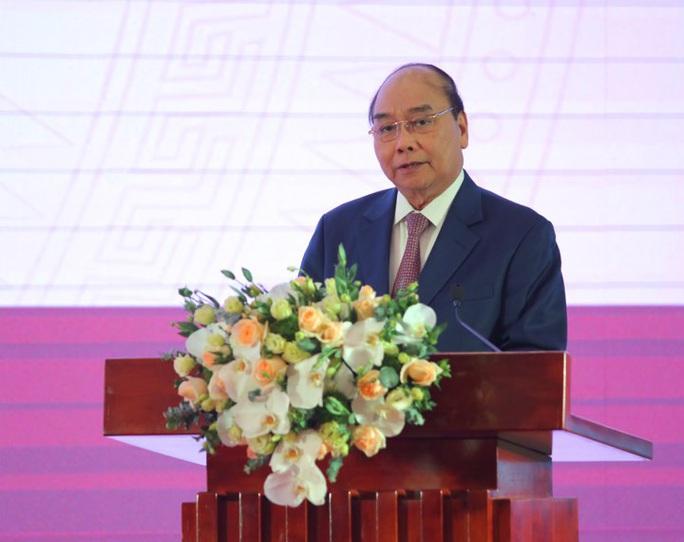 Thủ tướng: Thường trực Chính phủ tặng mỗi nữ cầu thủ 100 triệu đồng - Ảnh 1.