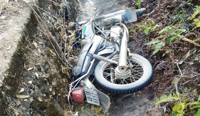 Bắt tài xế xe tải tông chết cán bộ quản lý bảo vệ rừng rồi bỏ trốn - Ảnh 3.
