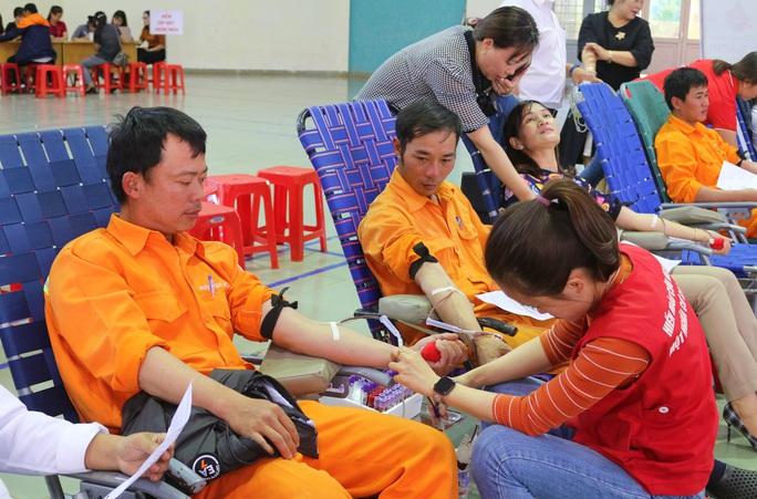 Thợ điện hiến máu cứu người! - Ảnh 3.