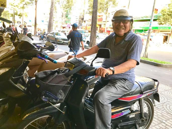 82 tuổi, NSƯT Trần Minh Ngọc vẫn bôn ba vì sân khấu Tết - Ảnh 1.