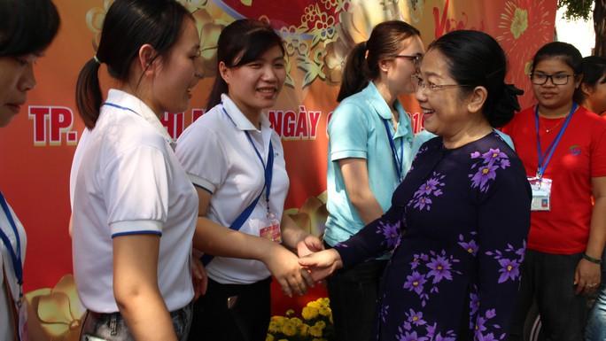 Lãnh đạo TP HCM vui Tết cùng công nhân - Ảnh 7.