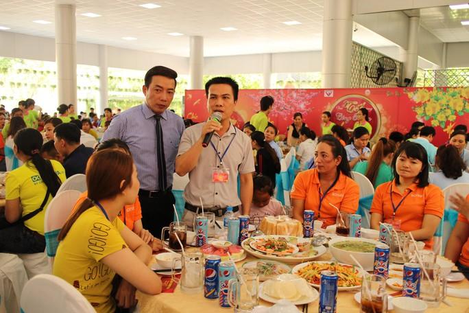 Lãnh đạo TP HCM vui Tết cùng công nhân - Ảnh 4.