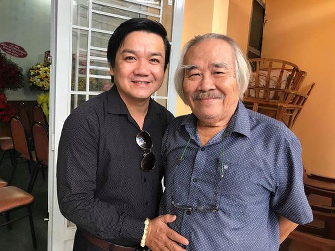 82 tuổi, NSƯT Trần Minh Ngọc vẫn bôn ba vì sân khấu Tết - Ảnh 2.