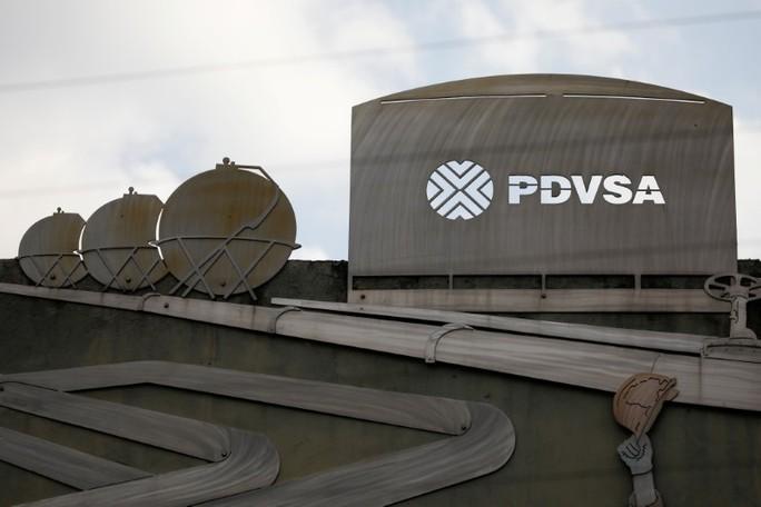 Venezuela mở tài khoản ở Nga để thu tiền bán dầu - Ảnh 1.
