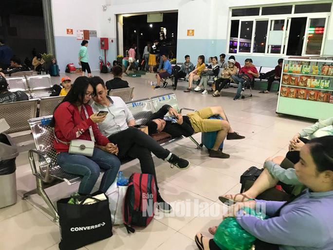 Kẹt xe cầu Mỹ Thuận gây khốn khổ cho khách ở... bến xe Cần Thơ - Ảnh 9.